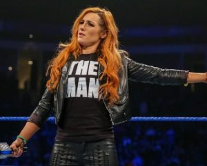 Mandy Rose o porażce na SmackDown Becky Lynch w serialu i filmie Marvela, Carmella przebrana za członków The Shield